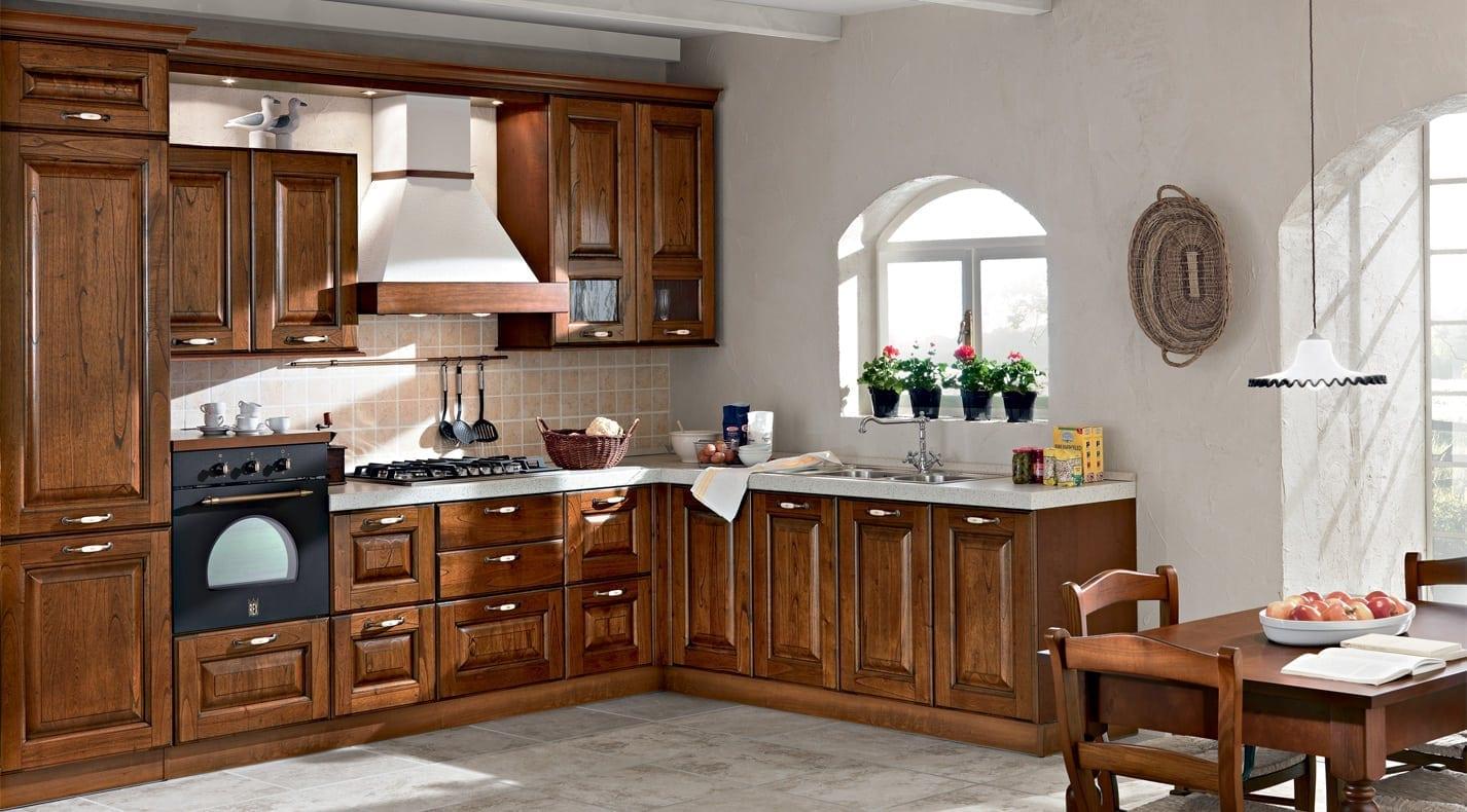 Cucina classica etruria pg arredamenti lucca - Immagini di cucine classiche ...